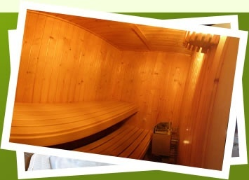 Poolanlage mit finnischer Sauna