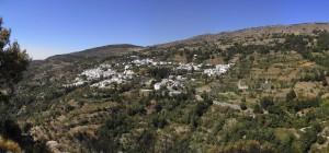 Vistas de Mecina Bombarón desde la Peña de la Miel